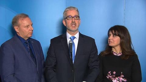 Jean-Martin Aussant annonce son retour au PQ aux côtés de Jean-François Lisée et de Véronique Hivon