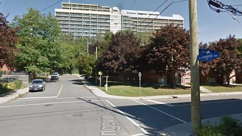 La photo montre l'intersection de la rue Putman et de l'avenue Langevin dans l'est d'Ottawa.