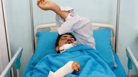 Noorullah, 24 ans, un employé de l'Intercontinental hospitalisé après l'attentat.