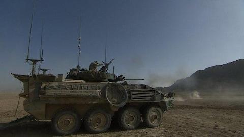 Un véhicule blindé léger canadien, construit par General Dynamics.