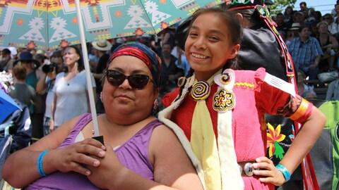 Bonita Georges et sa fille Chyella Star Georges Gamble (Nation Mohawk)