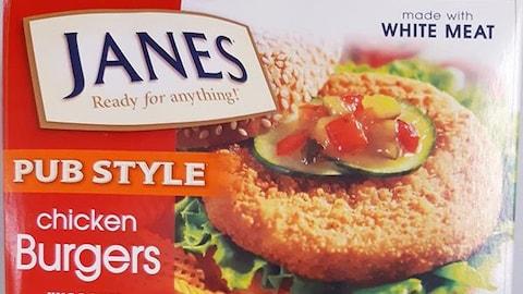 Le produit visé par ce rappel est identifié comme Janes Burgers de poulet Style Pub - Burgers de  poulet panés non cuits800 g 0 69299 12491 0.