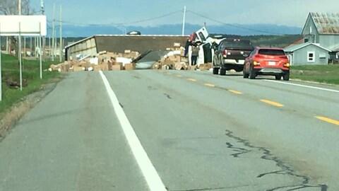 Un camion s'est renversé sur la route 132, à L'Isle-Verte