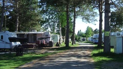Camping avec des roulottes