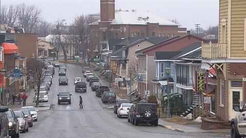 La rue Lafontaine au centre-ville de Rivière-du-Loup.