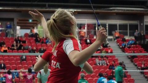 Une joueuse du Danemark durant un match de badminton.