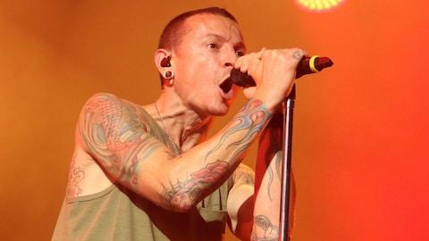Chester Bennington, lors d'un concert de Linkin Park en 2014.