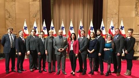 La nouvelle mairesse de Montréal, Valérie Plante, entourée des membres du comité exécutif