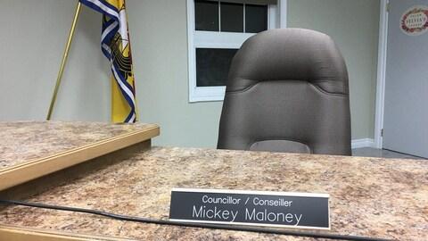 La chaise vacante du conseiller