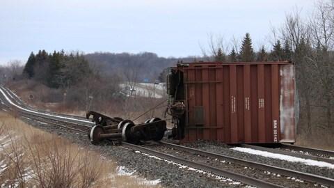 Un train du CN a déraillé près de Kingston samedi après-midi.