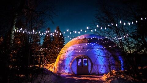 Le dôme géodésique du festival des hivernants à Sept-Îles