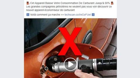 La vidéo montre une personne qui met de l'essence dans une automobile.