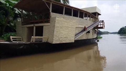 Un bateau-école au Bangladesh