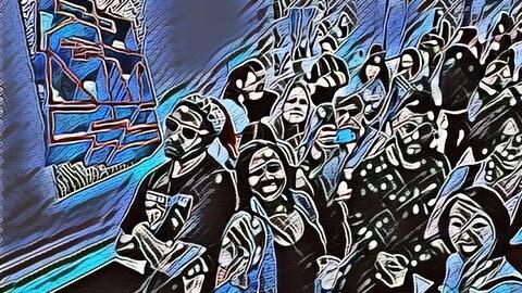 Dans une image aux teintes de bleu et de noir se tient un regroupement de personnes souriantes.