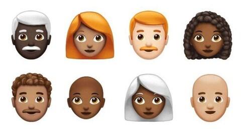 On voit des visages blancs et des visages noirs, sans cheveux et avec des cheveux blancs, roux et frisés.