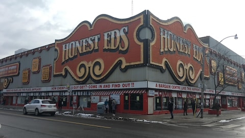 Le magasin  Honest Ed's à Toronto
