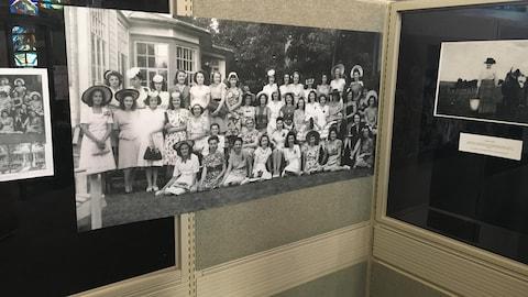 La Société d'histoire et de généalogie de Matane demande l'aide des gens pour identifier plusieurs femmes présentes sur des photos de groupe.