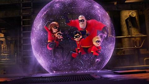 Les cinq membres de la famille Parr, superhéros du film «Les incroyable 2» sont une grande bulle mauve lumineuse.