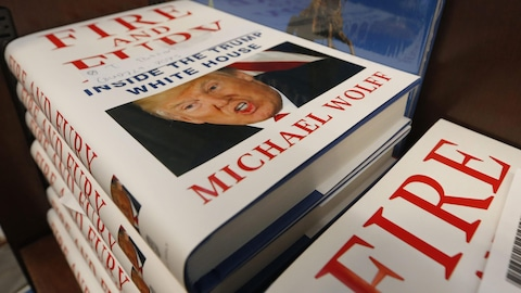 Des exemplaires de « Fire and Fury ».