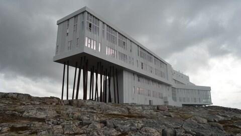 Le tourisme a pris de l'ampleur à l'île Fogo, au nord de Terre-Neuve, depuis l'inauguration de l'hôtel Fogo Island Inn.