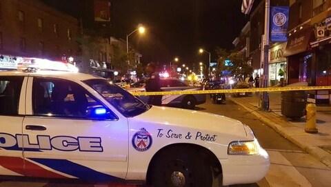 Les ambulanciers ont indiqué que plusieurs personnes ont été blessées et transportées à l'hôpital.