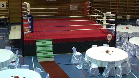 Les derniers préparatifs pour le gala de boxe à Port-Cartier
