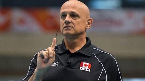 L'entraîneur de volleyball sherbrookois, Glenn Hoag