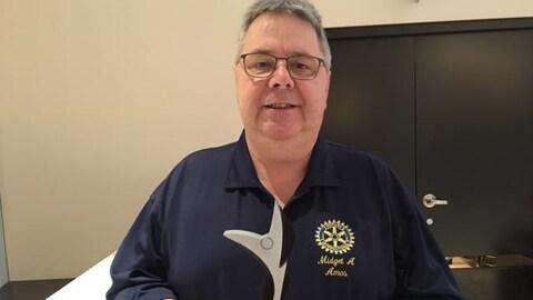 Guy Nolet est récompensé pour son travail comme bénévole.