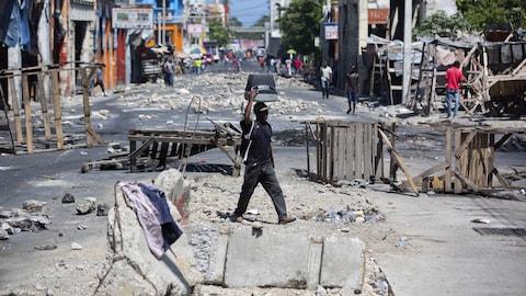 Une rue de la capitale Port-au-Prince lundi, où règne un calme relatif.
