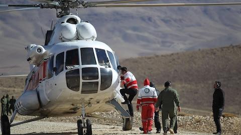 Un hélicoptère de recherche iranien.