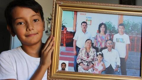 Ilterish, 11 ans, un jeune ouïgour montréalais est sans nouvelle de ses grands parents.