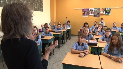 Les notions d'inconduite et d'agression sexuelle doivent être abordées en classe, croit Jolaine Lessard.
