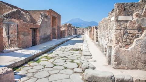 Un graffiti remet en question la date de la catastrophe de Pompéi, qui aurait eu lieu en octobre plutôt qu'en août.