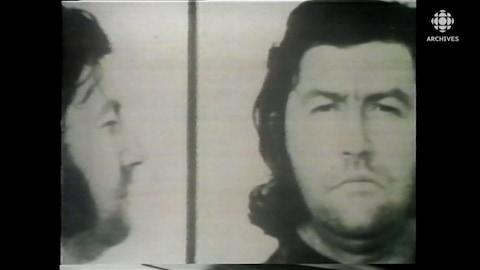 Photographies de prisonnier de Jacques Mesrine, gros plan du visage.