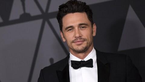 L'acteur et réalisateur américain James Franco prend la pose sur le tapis rouge des Governor Awards, en novembre 2017.