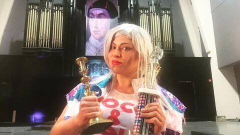 Une Sherbrookoise participe à un championnat de guitare imaginaire.