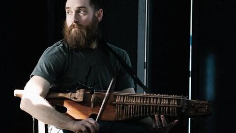 Jean-François Bélanger, muni de ses nyckelharpas, présentera son nouveau répertoire.