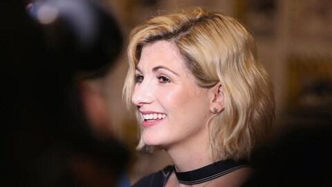 Portrait de profil de Jodie Whittaker