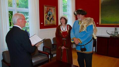 Karl Fix et Sandra Beug, un couple de Regina se mariant aux îles Féroé.