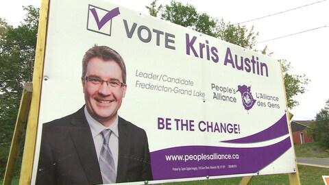 Affiche de Kris Austin, chef de l'Alliance des gens du Nouveau-Brunswick.