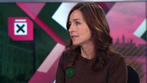 Laure Waridel en entrevue sur le plateau d'ICI RDI.