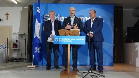 Jean-François Lisée et deux candidats