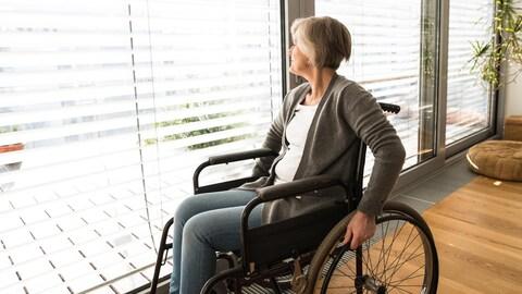 Les nouvelles normes de construction destinées aux personnes à mobilité réduite visent les immeubles à logements ou à condos de plus de deux étages et de huit unités.
