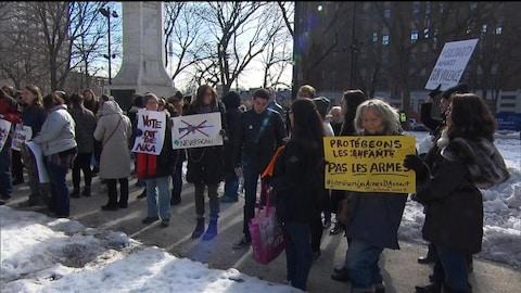 Des manifestations ont lieu samedi dans plus d'une douzaine de villes canadiennes d'un océan à l'autre.