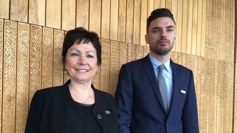 La protectrice du citoyen, Marie Rinfret et l'adjoint exécutif au Protecteur du citoyen, Me Robin Aubut Fréchette.