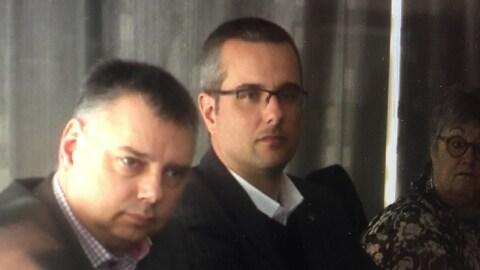 Le directeur général de Victoriaville, Martin Lessard, accompagné du maire André Bellavance (à gauche).