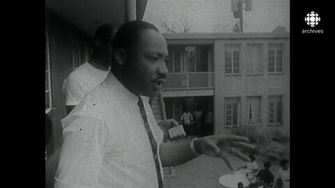 En noir et blanc, Martin Luther King, en plein discours