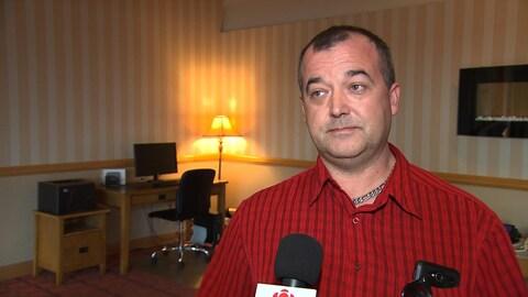Michel Fournier affirme que les employés du réseau de la santé sont surmenés.