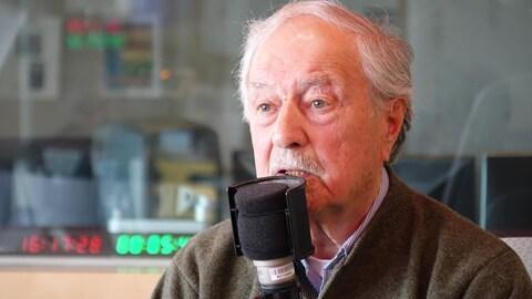 Michel Tremblay, l'ancien maire et ancien député de Rimouski lors de son passage à Radio-Canada pour présenter ses Mémoires politiques