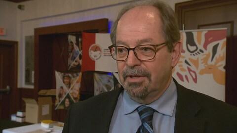 Le ministre des Affaires autochtones, Geoffrey Kelley